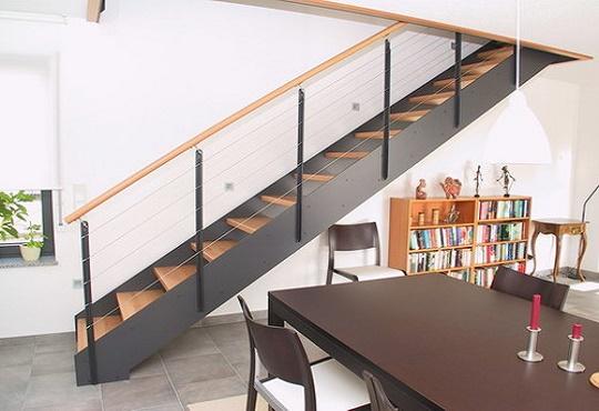 http://www.inoxalum.com/wp-content/uploads/2014/11/escalier-droit-3.jpg